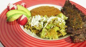 Chilaquiles: Exquisito tradicional platillo mexicano en cuatro sencillos pasos