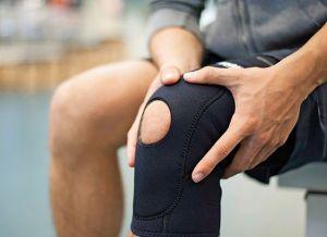 ¿Te duelen las rodillas? Quizás sea alguna de estas afecciones