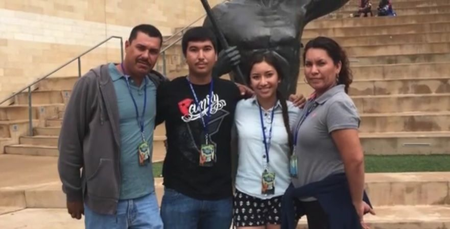 Dan voz y rostro al México de los deportados