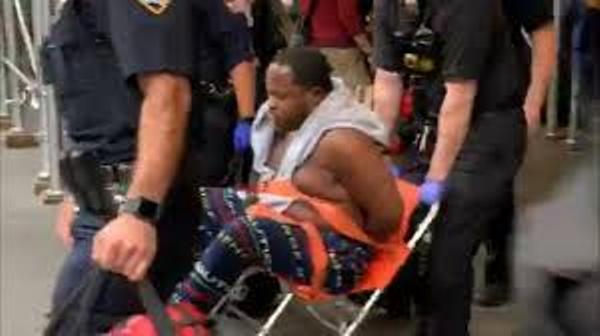 Hombre con espada desató pánico en el Empire State Building de Nueva York