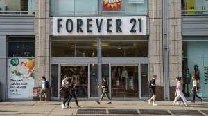 Latino pervertido grababa a mujeres en los vestidores de la tienda donde trabajaba en Nueva York