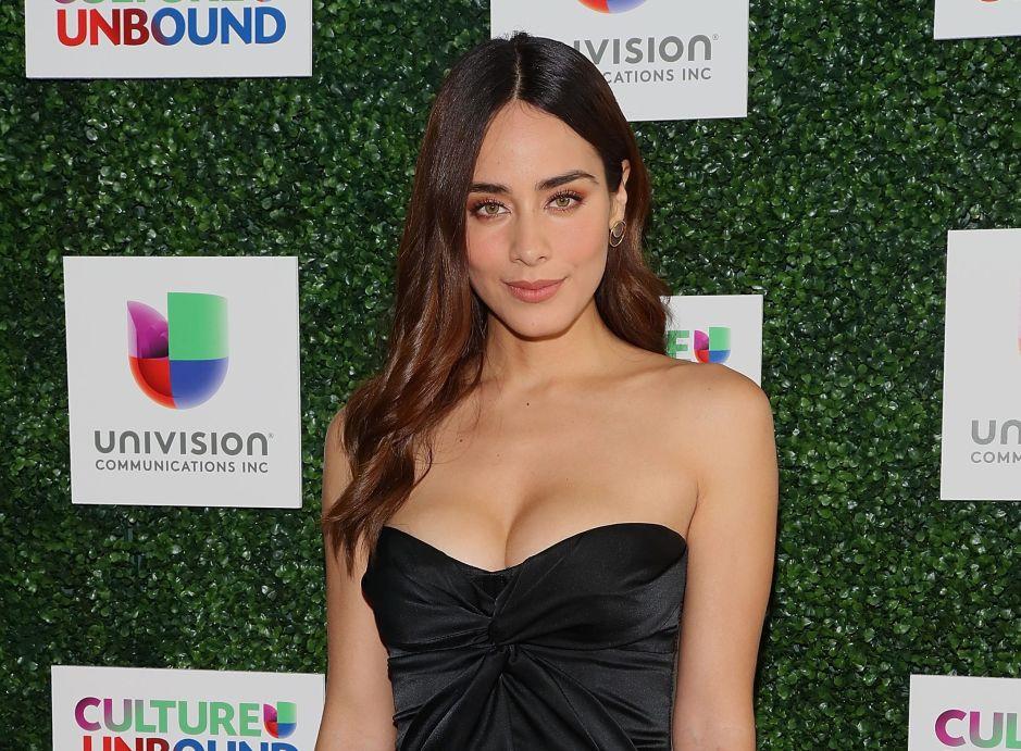 Esmeralda Pimentel por fin aclara si es bisexual