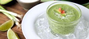Un clásico de Uruapan, Michoacán: Irresistible y fresca sopa de aguacate fría