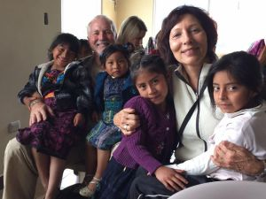 Leslie Baer Dinkel: brindando ayuda desde el condado de Orange a las zonas rurales de Guatemala