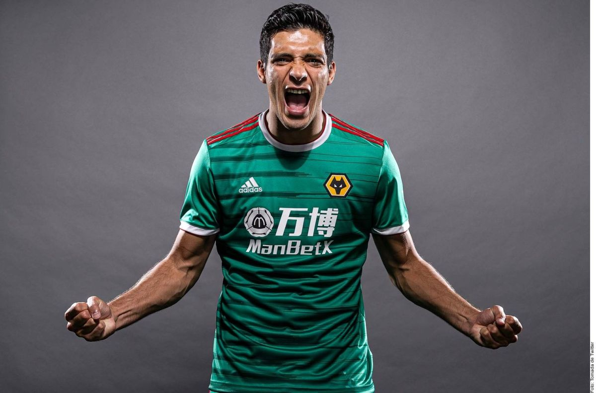 El festejo de 15 de septiembre del Wolverhampton llegó más lejos que su uniforme verde