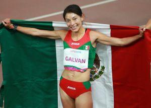 Asaltan a atleta mexicana que ganó oro en Panamericanos, ella culpa a los trabajadores del banco