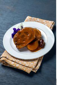 ¡Exquisita receta de otoño! Suculento Lomo de cerdo en salsa de ciruela