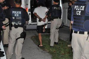 """Ciudad 'santuario' pone freno a ICE por """"manipular"""" a sus policías para que arresten inmigrantes"""