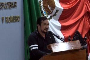 Piden modificar Constitución para reelegir a López Obrador
