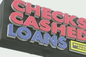 Préstamos del día de pago, la terrible trampa a latinos bajo la oferta de dinero fácil