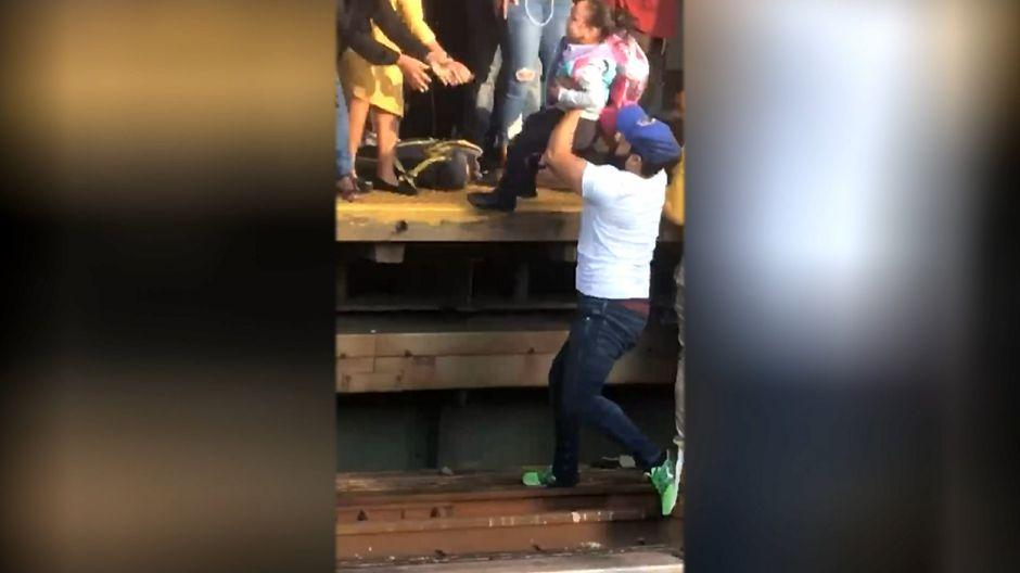 Padre depresivo bendijo a su hija antes de lanzarse con ella al Metro de Nueva York