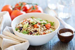 ¡Come más fibra! exquisita ensalada de quinoa, para combatir estreñimiento