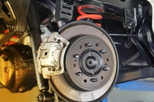 ¿Cuál es la función de la mangueta de tu auto y cómo podemos identificar sus fallas?
