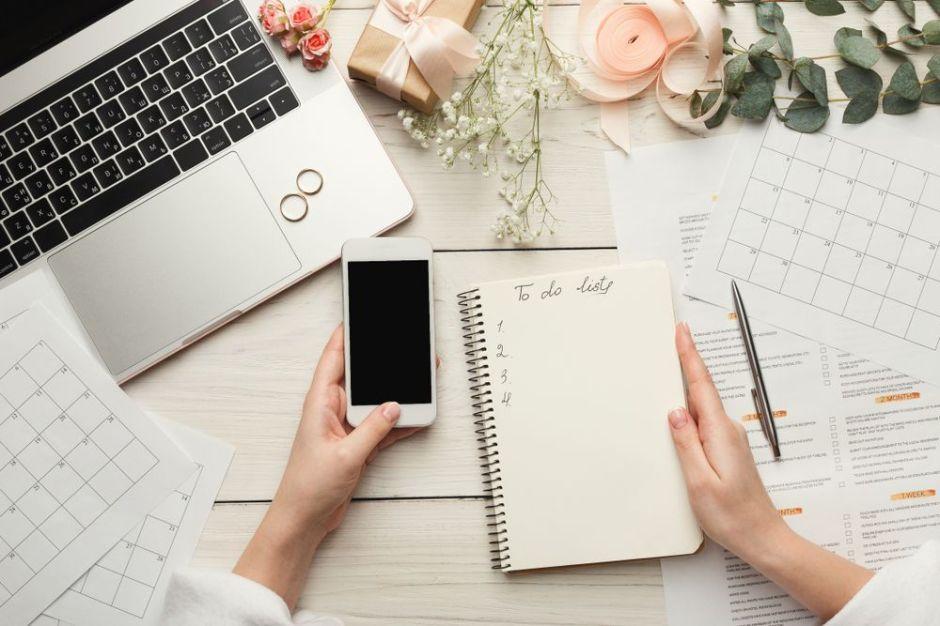5 carpetas de organización que te ayudarán a ser tu propia coordinadora de bodas y ahorrar dinero