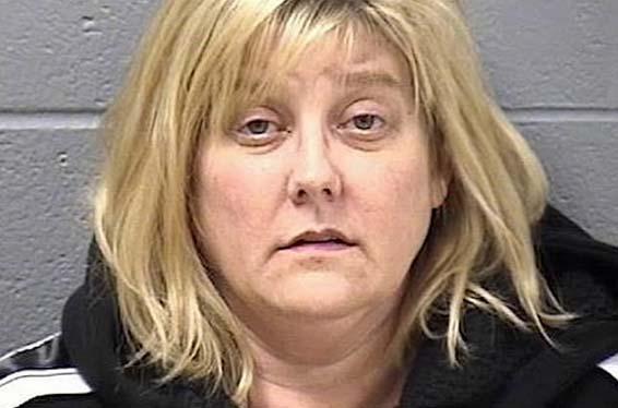 La maestra de 51 años acusada de violar a menor de 14 le envió 9,000 textos en par de meses