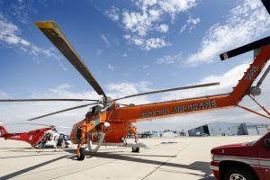 Supervisora del condado de L.A. evita el tráfico con viajes en helicóptero que cuestan hasta $9,500 por hora