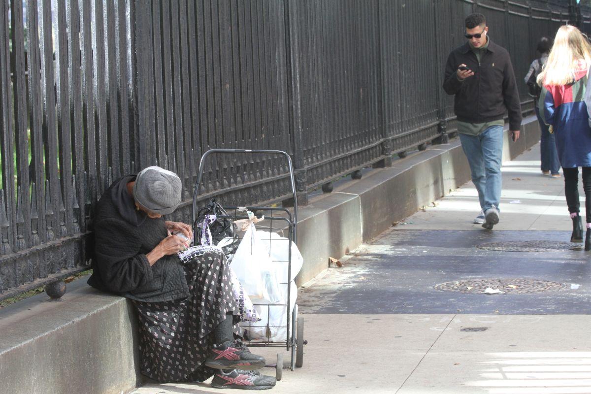 Aprueban ley en Las Vegas que tipifica como delito dormir en las calles