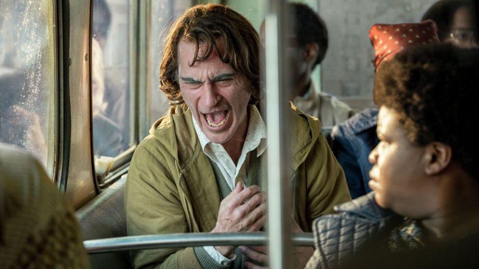 Joker: cuál es la enfermedad detrás de la risa descontrolada del villano interpretado por Joaquin Phoenix