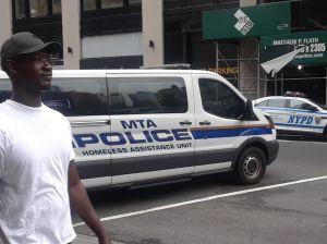 Violencia con indigentes activa revisiones en salud mental en la alcaldía de Nueva York