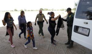 Victoria inmigrante: Permiten a solicitante de asilo discapacitada esperar proceso legal en EEUU