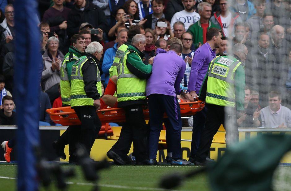 Terrorífica lesión del portero del Tottenham