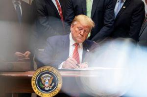 Trump mueve ficha para cancelar suscripciones a grandes diarios de Estados Unidos