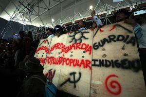 Grupo indígena retiene a 47 militares en Ecuador
