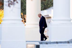 Cargo de la Casa Blanca revelará información clave a investigadores del impeachment a Trump