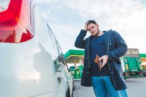 ¿Qué pasa si llenas tu tanque de gasolina con diésel?¿Qué debes hacer?