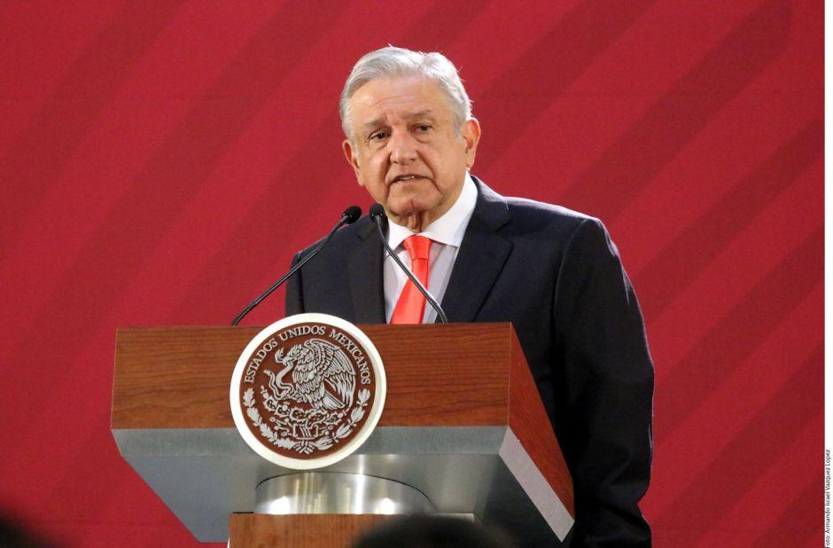 """AMLO publicará libro sobre """"la economía moral"""" para festejar su primer año de gobierno"""
