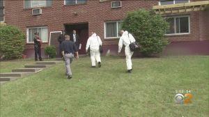 Encuentran muerta a mujer en su apartamento en Nueva York