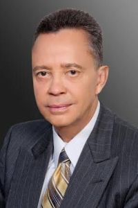Él Awards: Dr. Eliscer Guzmán-Director del Instituto de Cardiología de Bienestar y Prevención- Montefiore