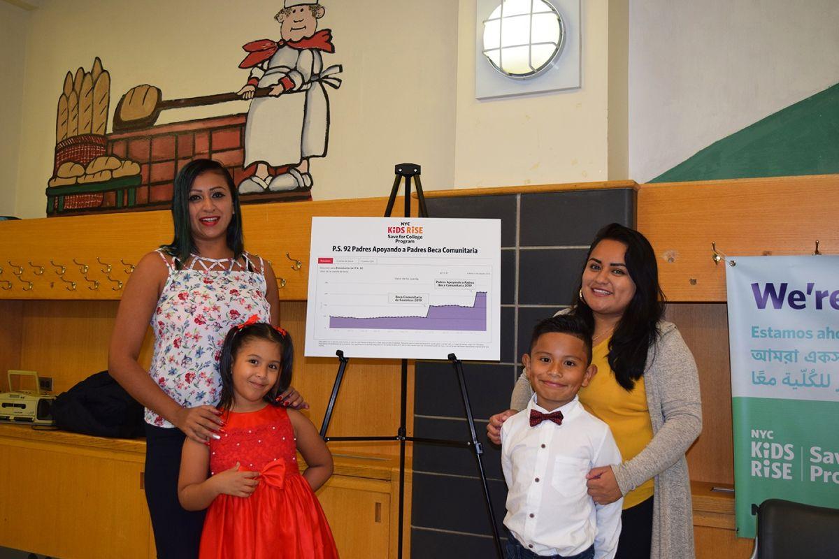 Estudiantes en Queens beneficiados con fondos para  college