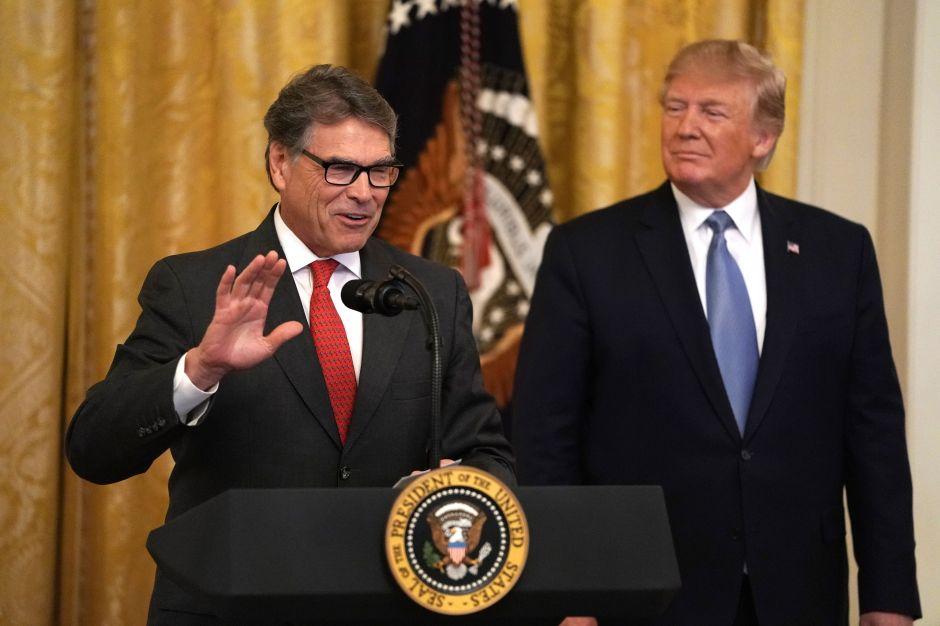 Rick Perry informó a Trump que planea renunciar mientras se acelera la investigación de Ucrania