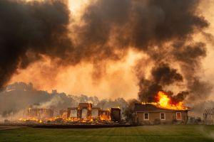 California en riesgo de mayores incendios: fuertes vientos, calor y poca humedad