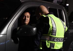 Reincidir en infracción de tráfico llevaría a indocumentados directos a la deportación