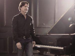"""Arthur Hanlon: Disfruta de su música ilimitadamente y de su nueva gira """"Gringo en La Habana"""""""