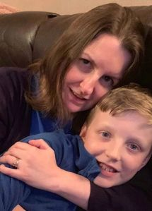 Madre cree que su hijo está poseído, en verdad tiene una enfermedad rara