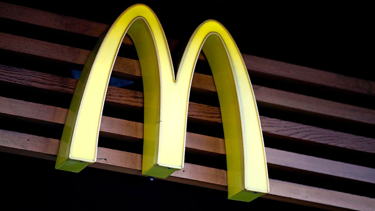 McDonald's retira decoración de Halloween por asociación con linchamientos de negros