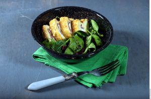 Saludable y exquisita opción de ensalada, rica en hierro, fibra y proteínas