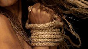 Le ofrecieron empleo como vendedora pero la hicieron esclava sexual