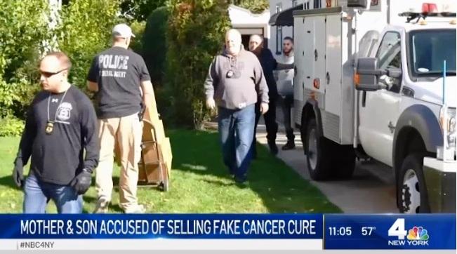 Arrestan a anciana latina y su hijo ex atleta por fraude con falsa cura del cáncer en Queens