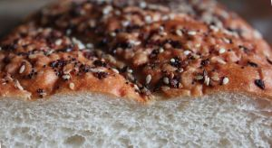 Para acompañar tus comidas sin culpa: Pan casero con semillas de amapola, en versión vegana