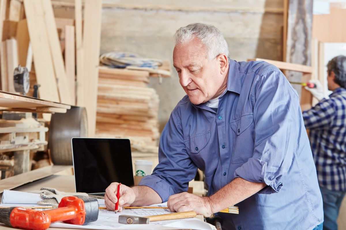 Los mayores será el segmento de población trabajadora que más crezca./Shutterstock