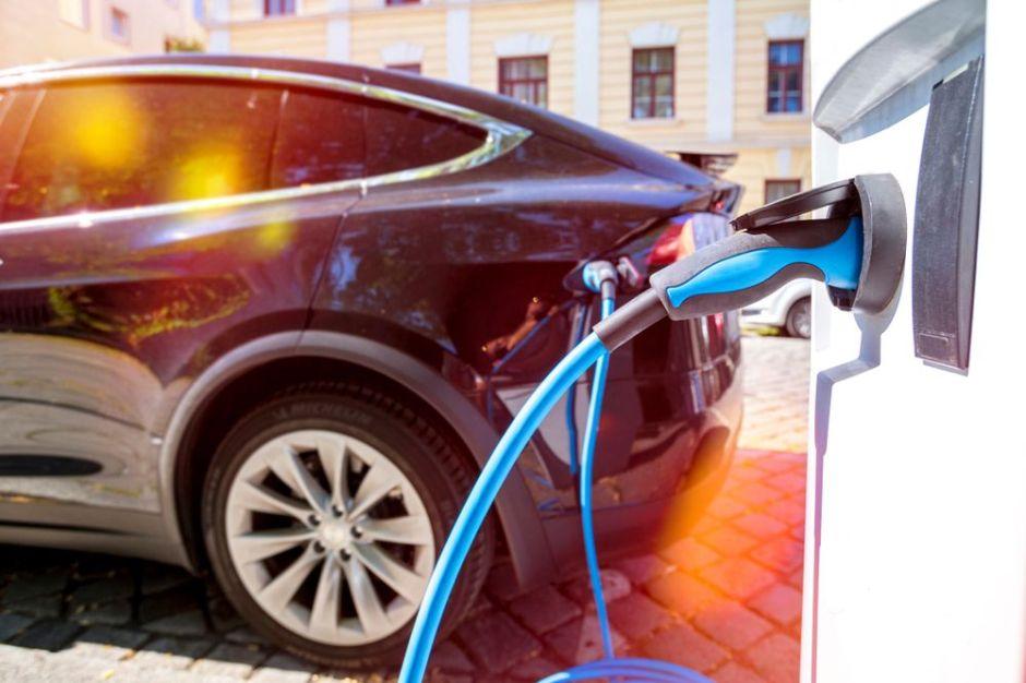 ¿Cuánto podemos ahorrar por mes con un auto eléctrico?