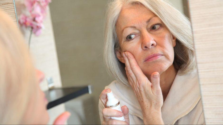 Los 5 mejores sueros antienvejecimiento para mujeres mayores de 40 años