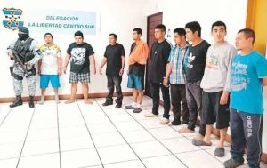 Arrestan a 10 supuestos miembros de la MS-13 que eran el terror de residentes y comerciantes en El Salvador