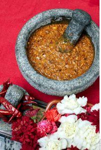 ¿Has preparado salsa en molcajete? Conoce todo sobre este tradicional utensilio mexicano