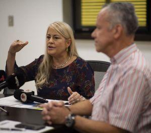 Boricuas estallan contra propuesta de aumento a tarifa de luz para pagar programas de eficiencia energética