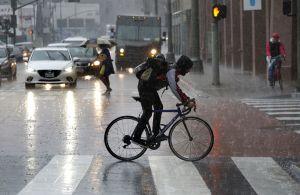 Después de la lluvia récord en Los Ángeles, un río atmosférico podría traer más precipitación